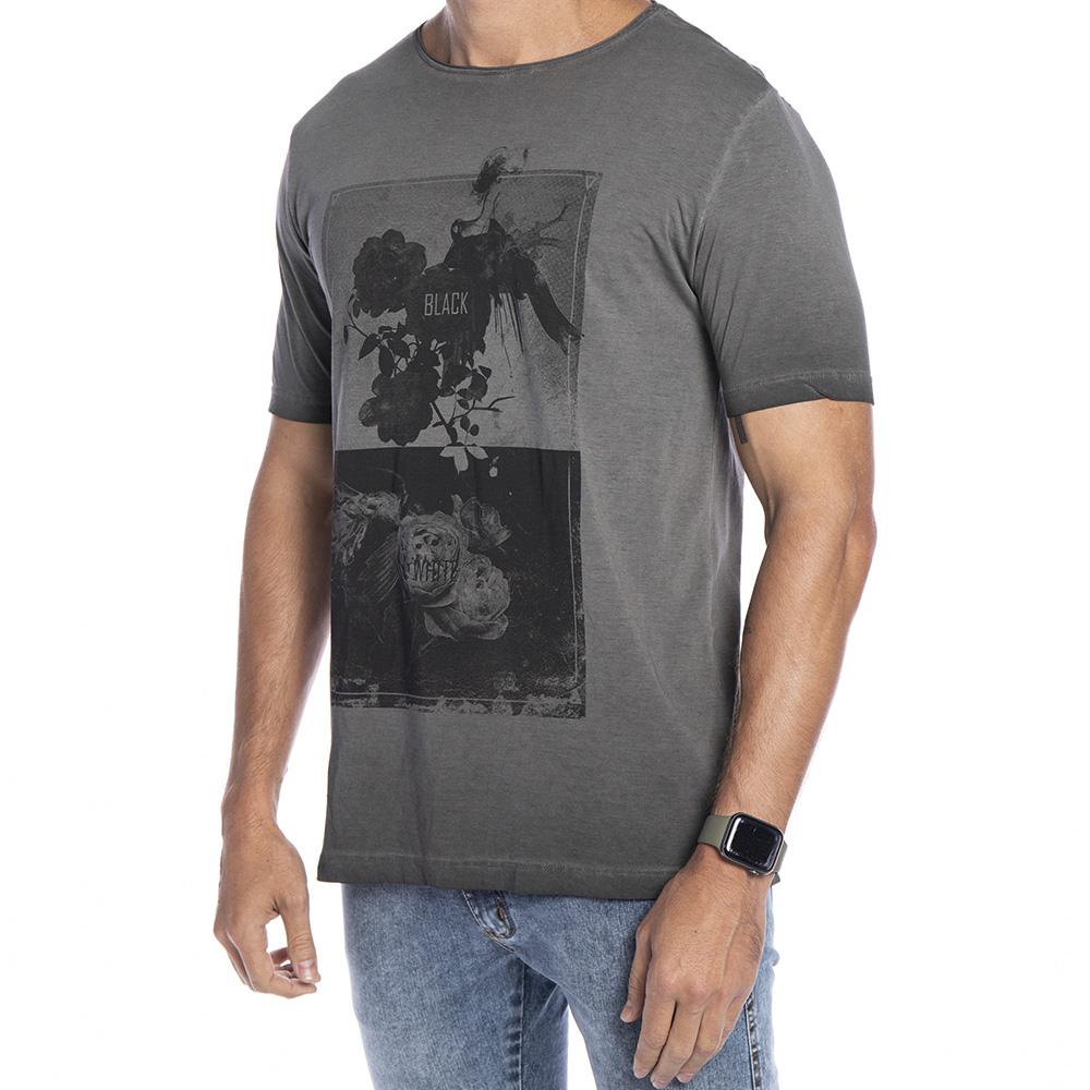 Camiseta cinza estampa black e white