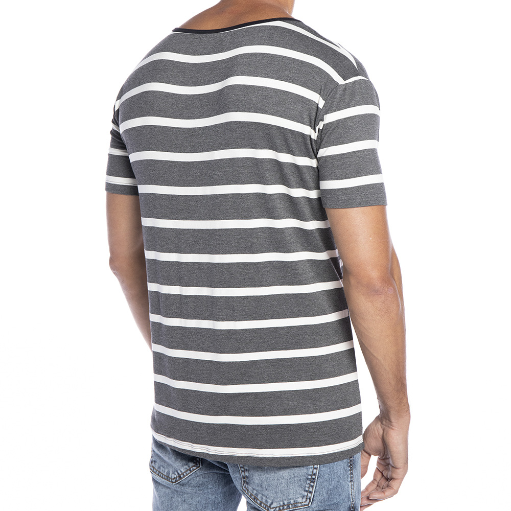 Camiseta de Viscose listrada com bolso Gola Fechada