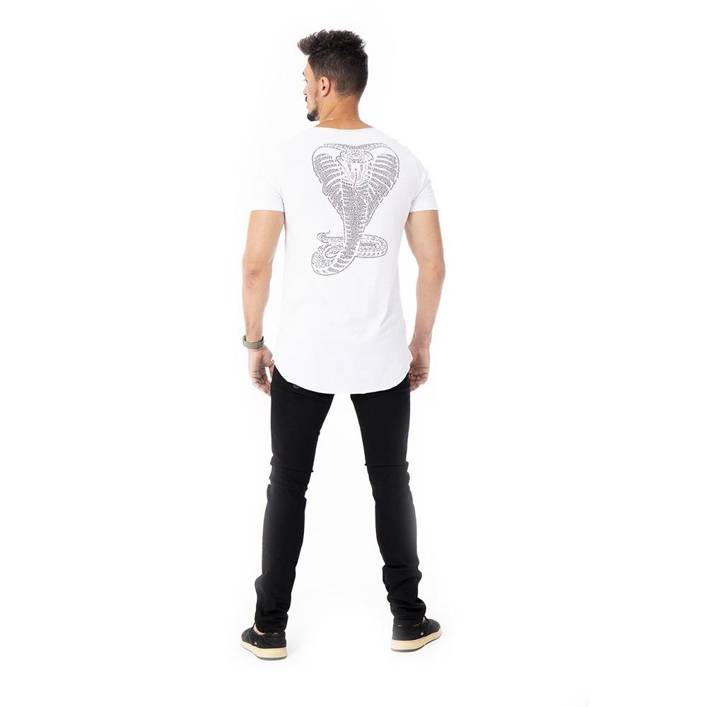 Camiseta Long line branca de cobra com aplicação em strass