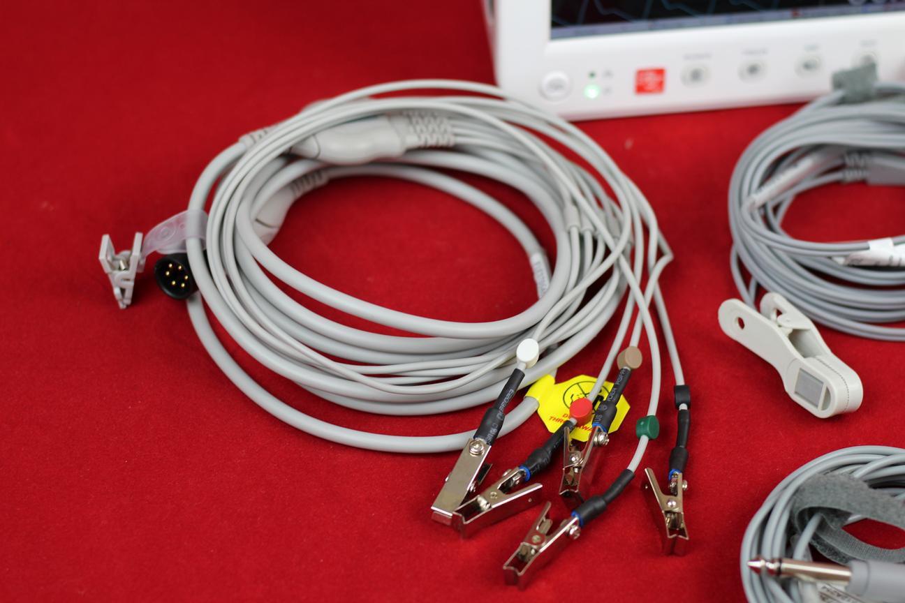 Cabo ECG 05 pinos fixos com garra ECG Embutida - (AE5E)