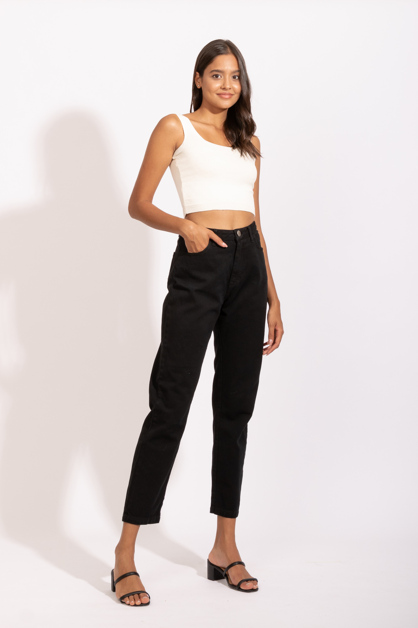 Calça Mom Jeans Preta