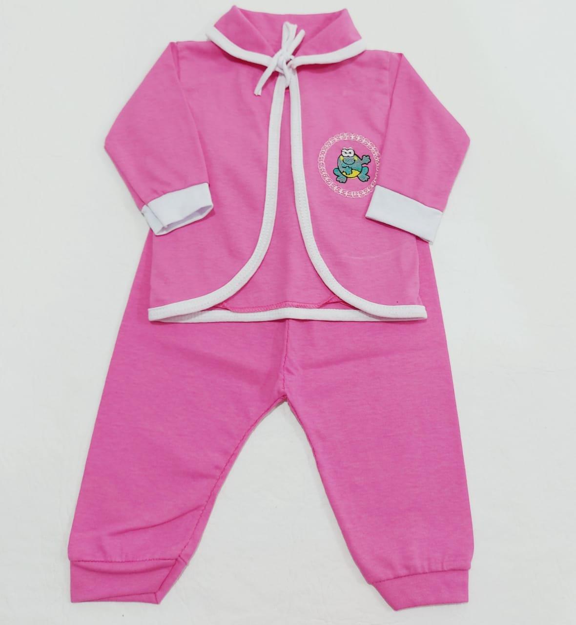 Conjunto Pagão Pink - Camiseta, Casaquinho e Mijão - 03 Peças - Recém Nascido - 100% Algodão - Cia do Bebê