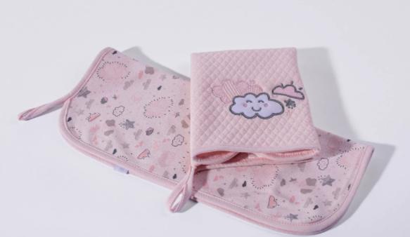 Kit com 2 Babinhas - Névoa Rosa - Com  Prendedor de Chupeta - Suedine 100% algodão - Bordado Protegido - Hug