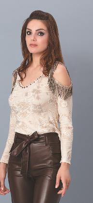 Blusa manga longa com ombros vazados