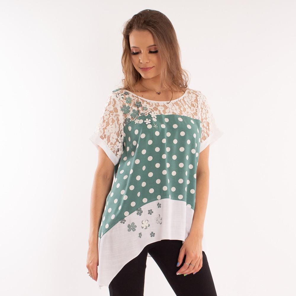 Blusa poá com detalhes em pontas assimétricas, renda e aplicações florais