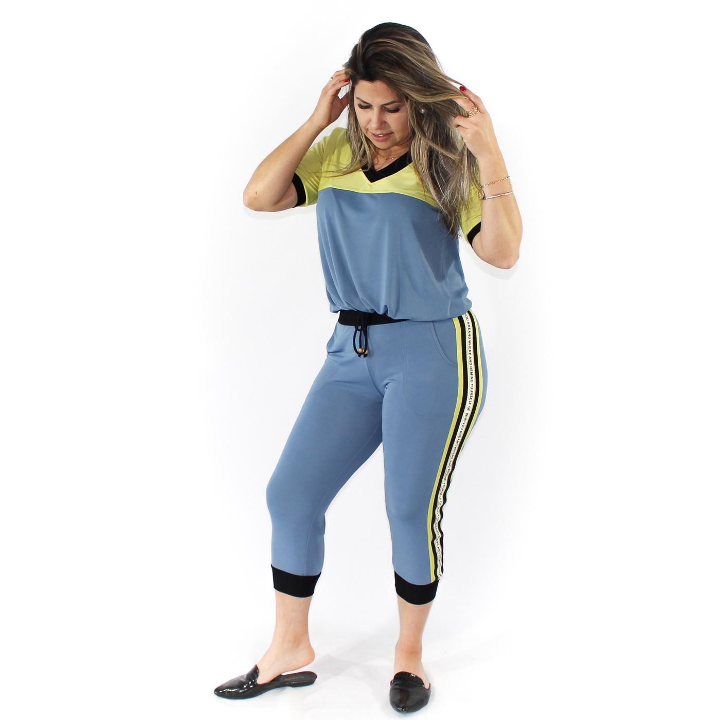 Conjunto calça e blusa com detalhe de amarração