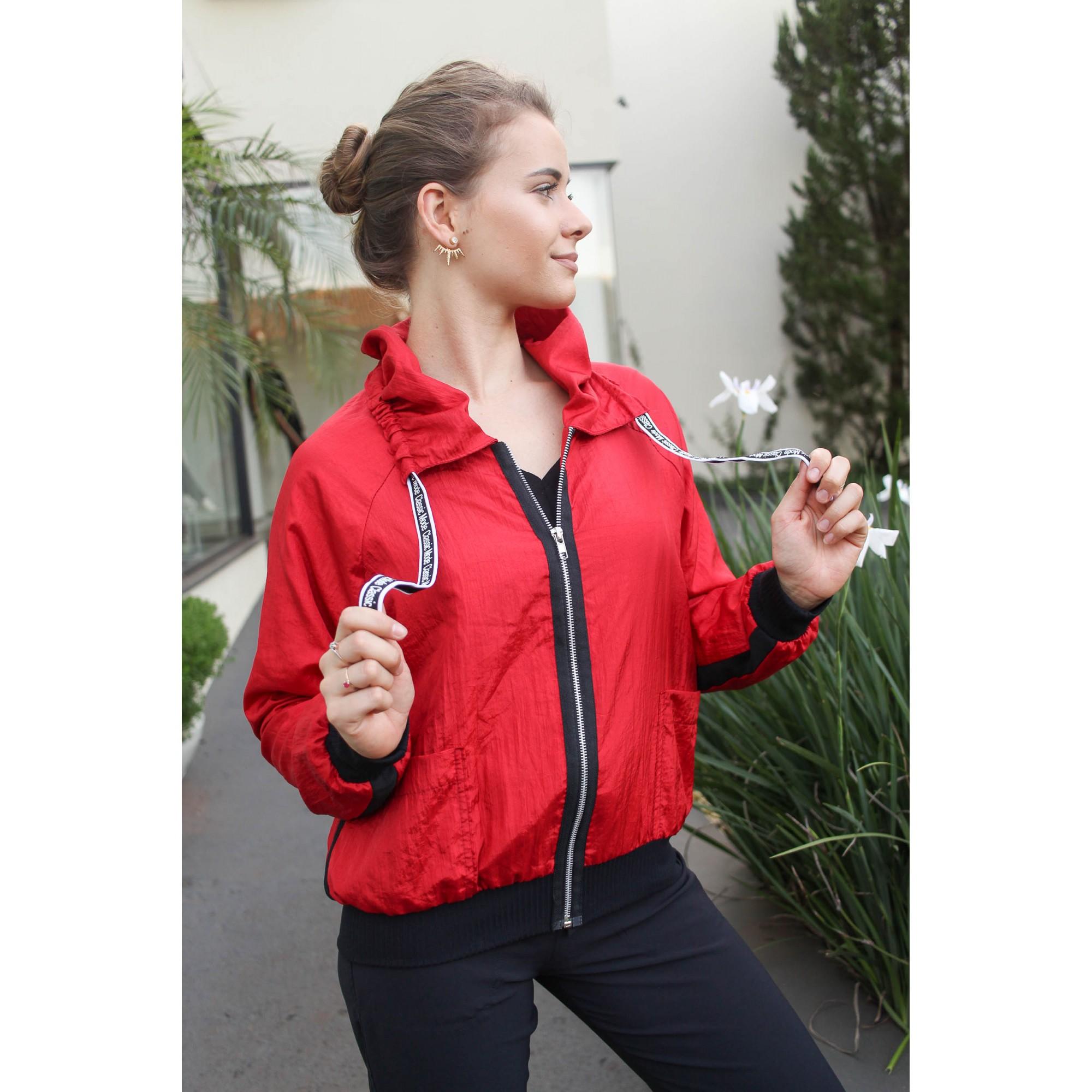 Jaqueta corta vento vermelha