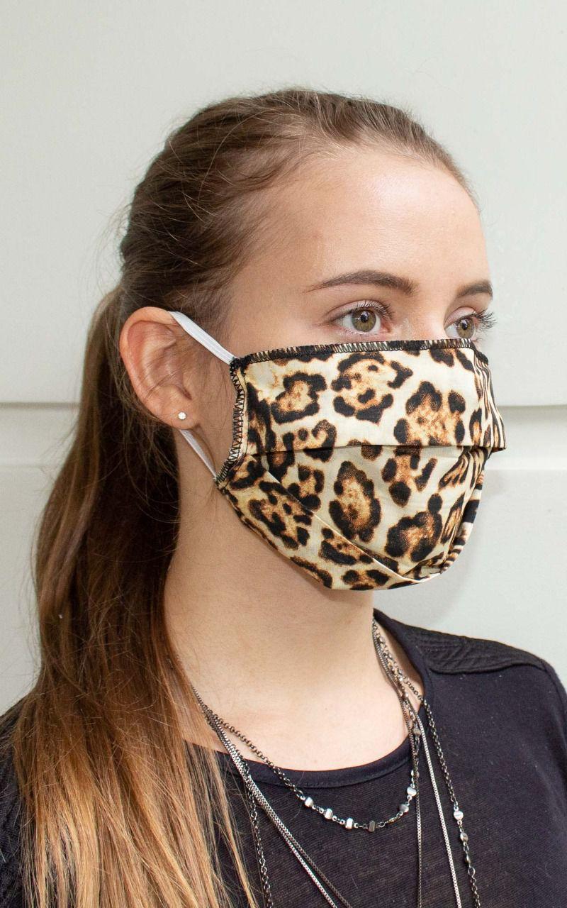 Máscara retangular com prega na cor animal print