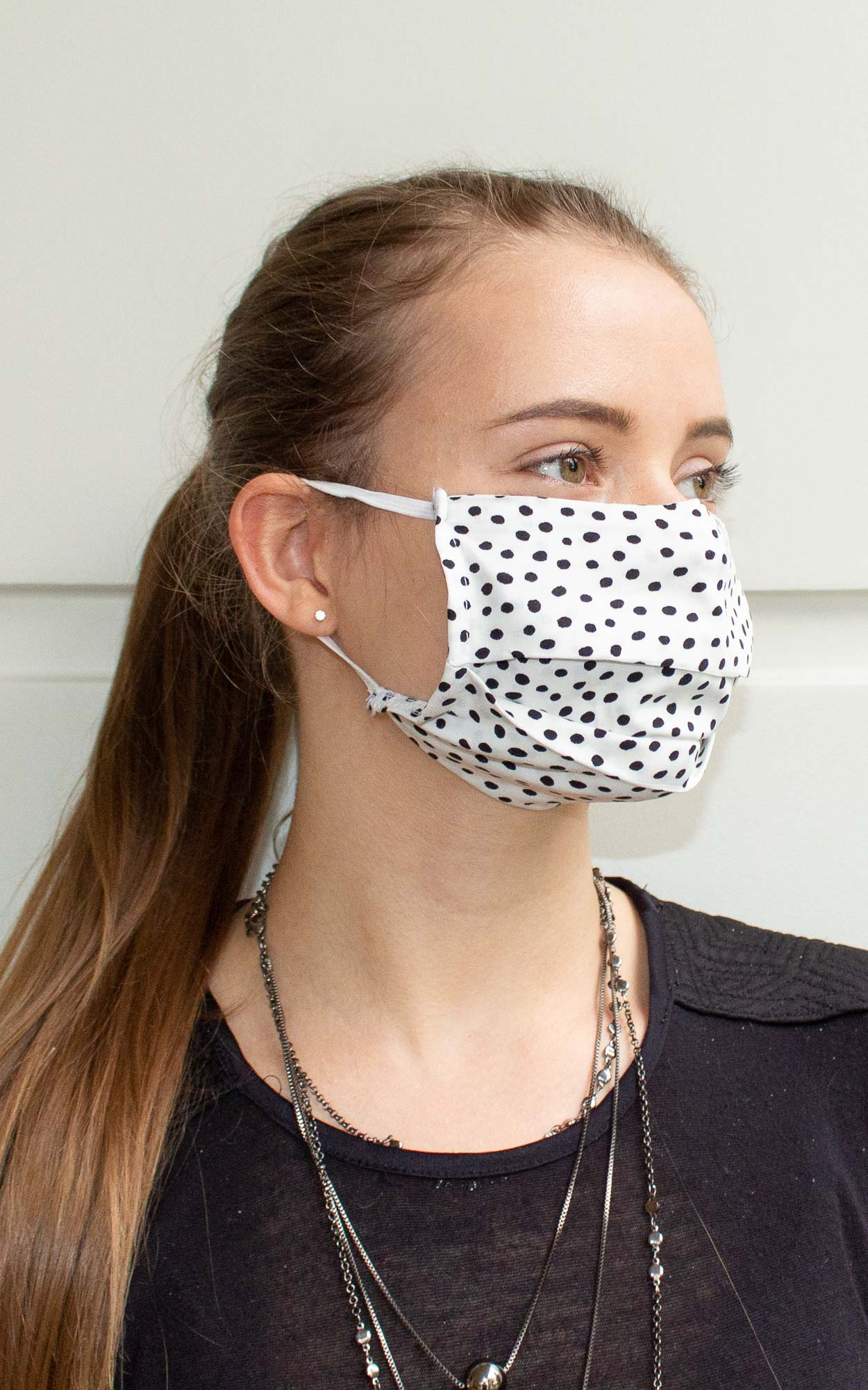 Máscara retangular com prega na cor poá