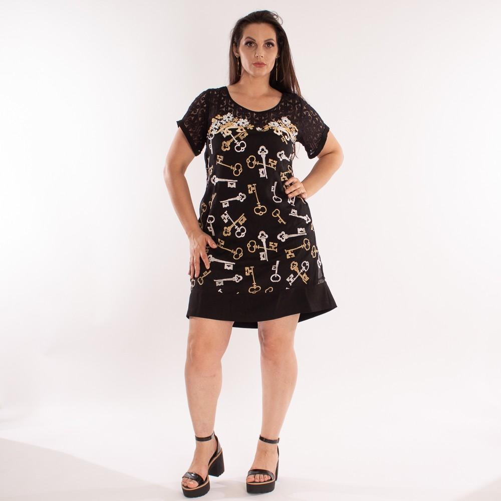 Vestido curto com estampa de chaves e detalhes em renda e aplicações em flores