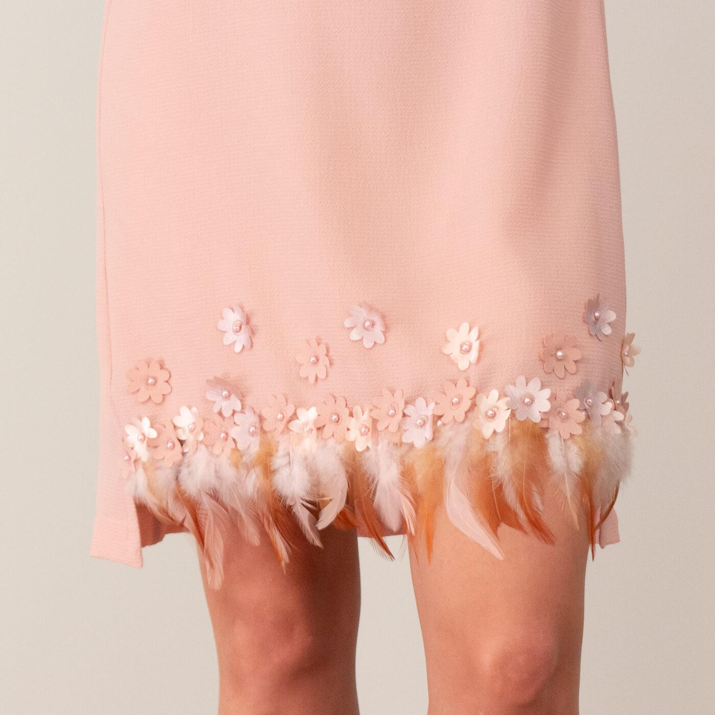 Vestido curto Lika com detalhes em aplicação de bordados