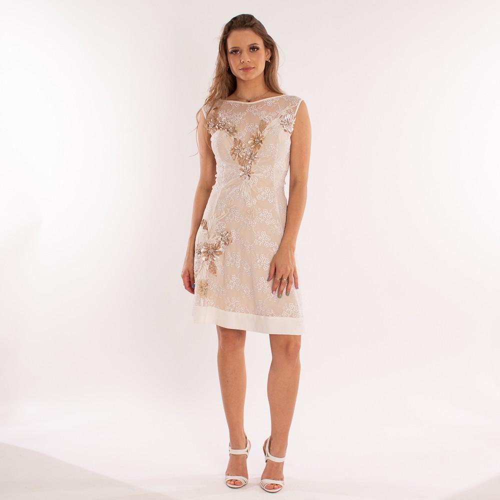 Vestido curto Lika com detalhes em bordados e pedrarias