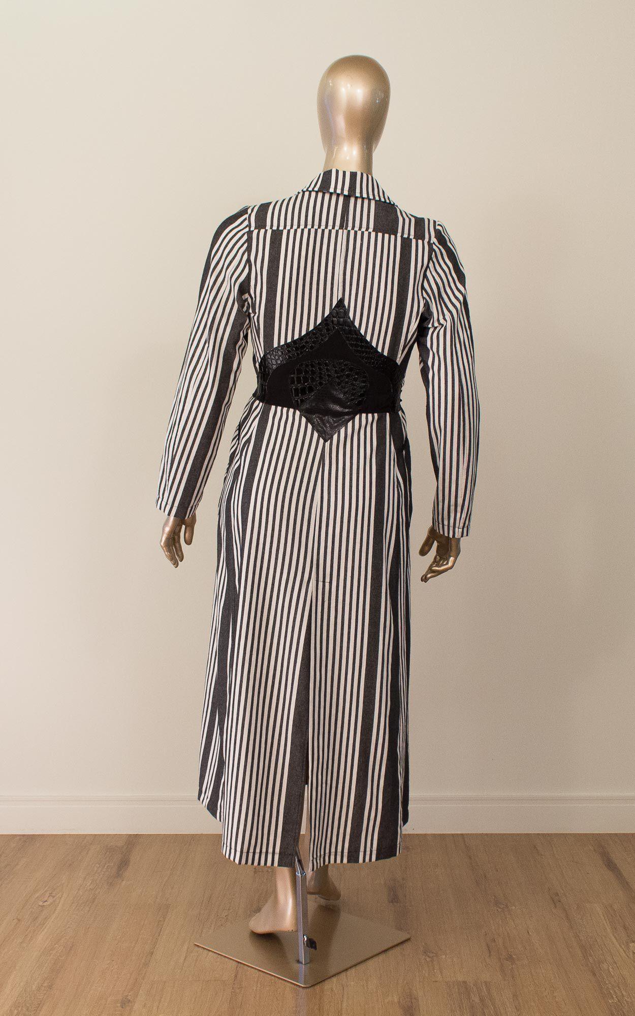 Vestido midi manga longa com detalhes em croco
