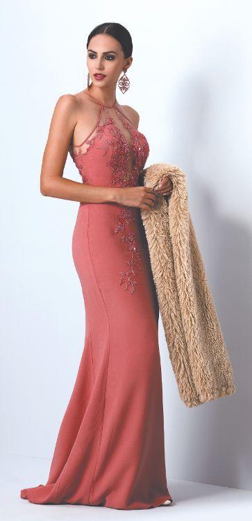 Vestido sereia longo com detalhes em bordados e pedrarias