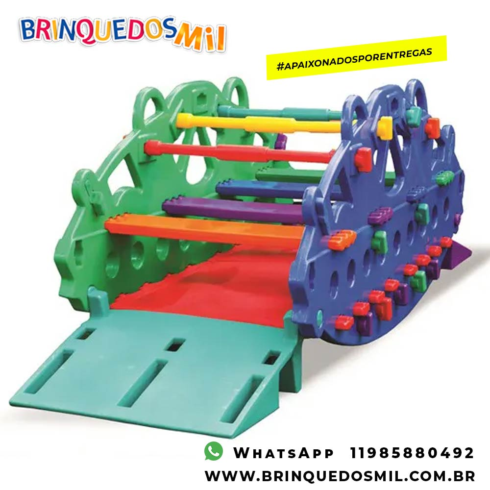 Gangorra com acesso ao cadeirante | 3m05 x 94cm x 90cm