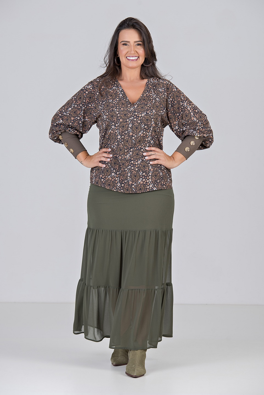 Blusa com Decote V e Punho Largo - Plus Size