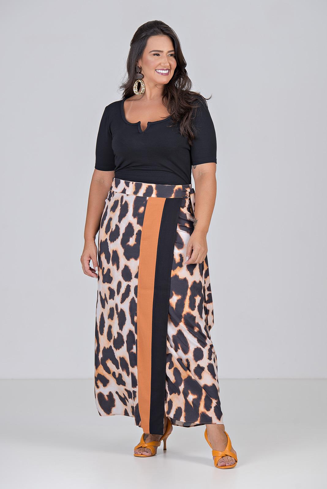Blusa Cropped, em tecido Moletinho Com Elastano - Plus Size