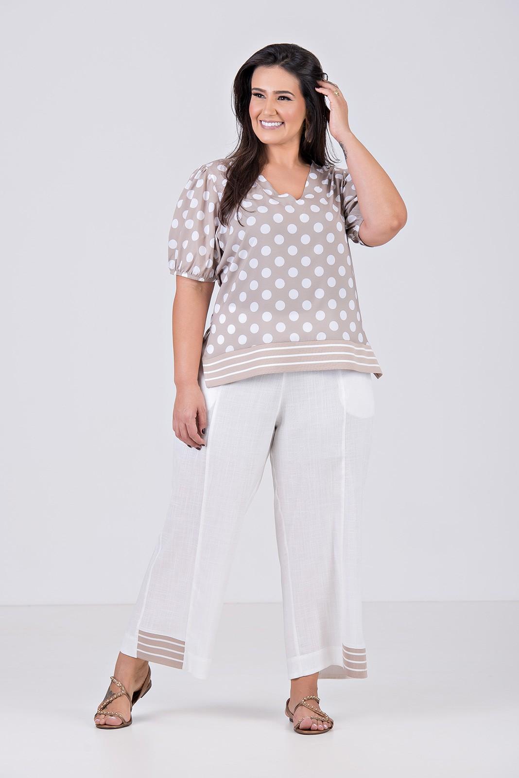 Blusa de Tecido com Elastano com detalhe em Retilinea - Plus Size