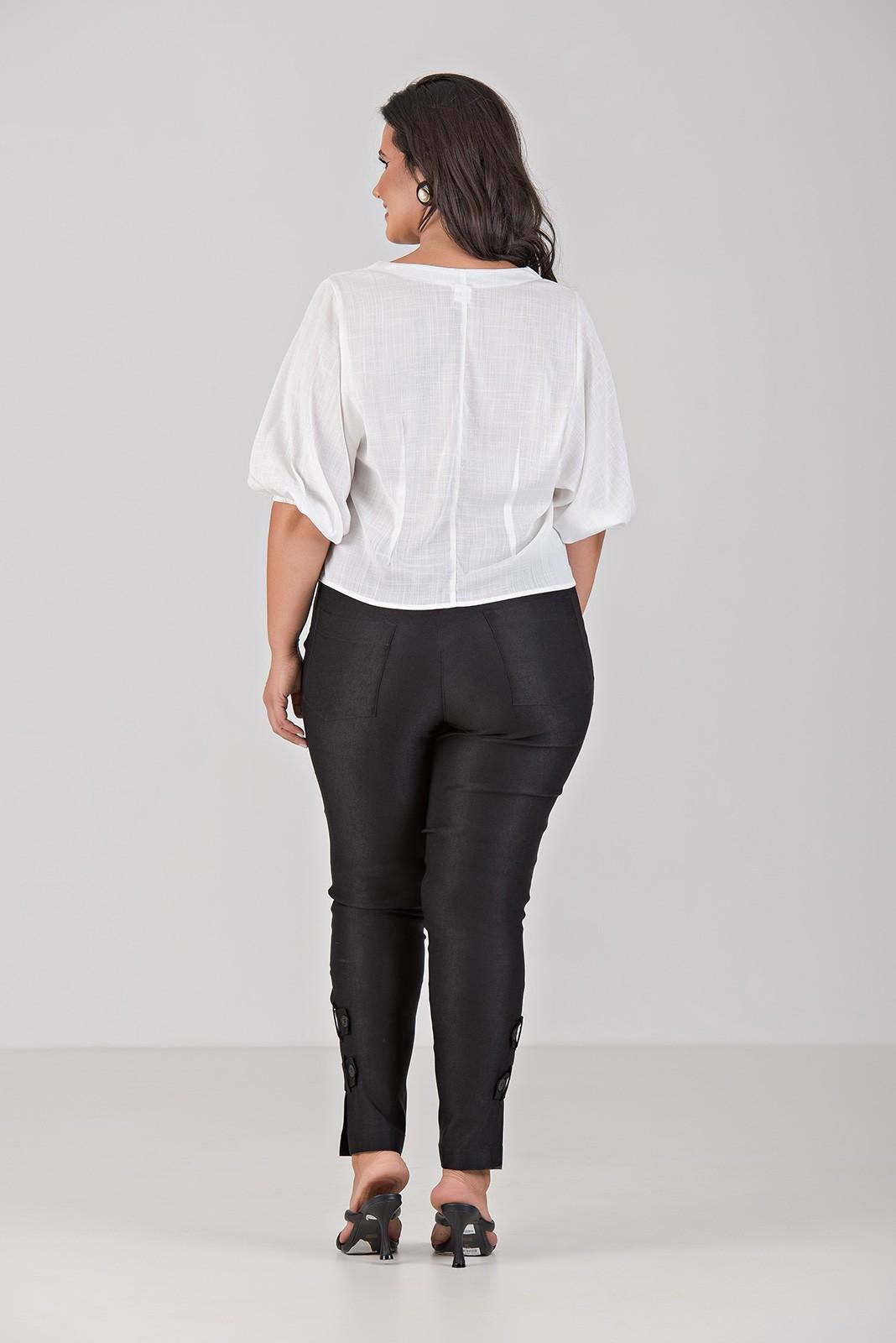 Blusa de Viscolinho Com Amarração - Plus Size