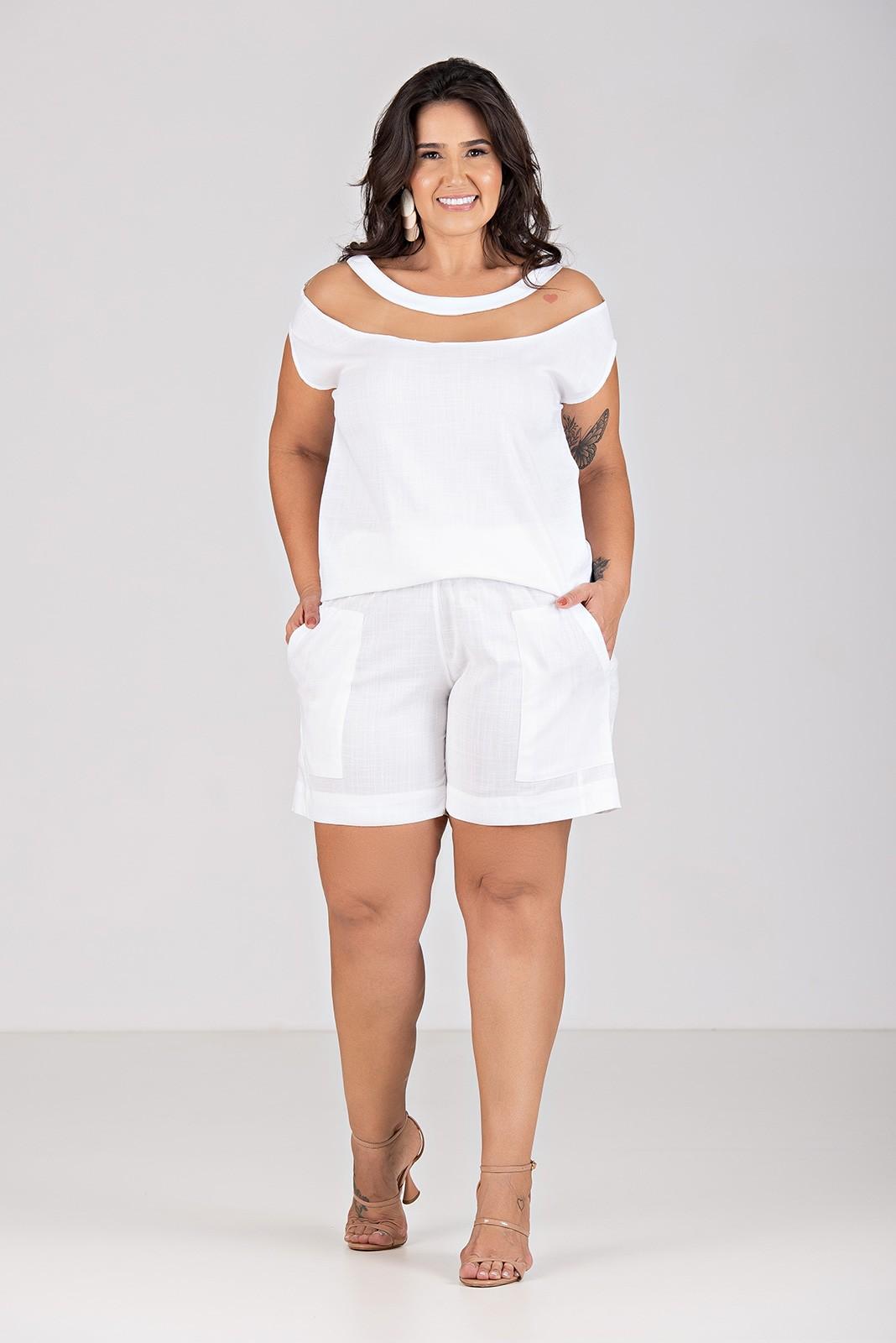 Blusa de Viscolinho com Elastano Com Transparência - Plus Size