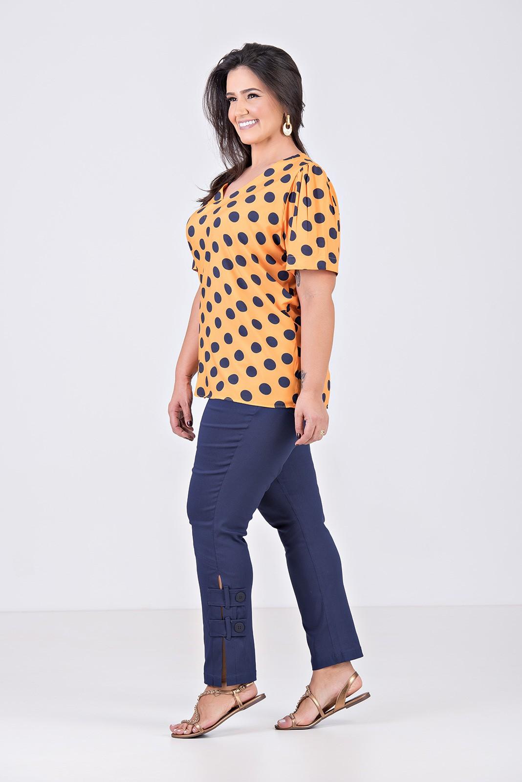 Blusa Decote V em Tecido Com Elastano - Plus Size