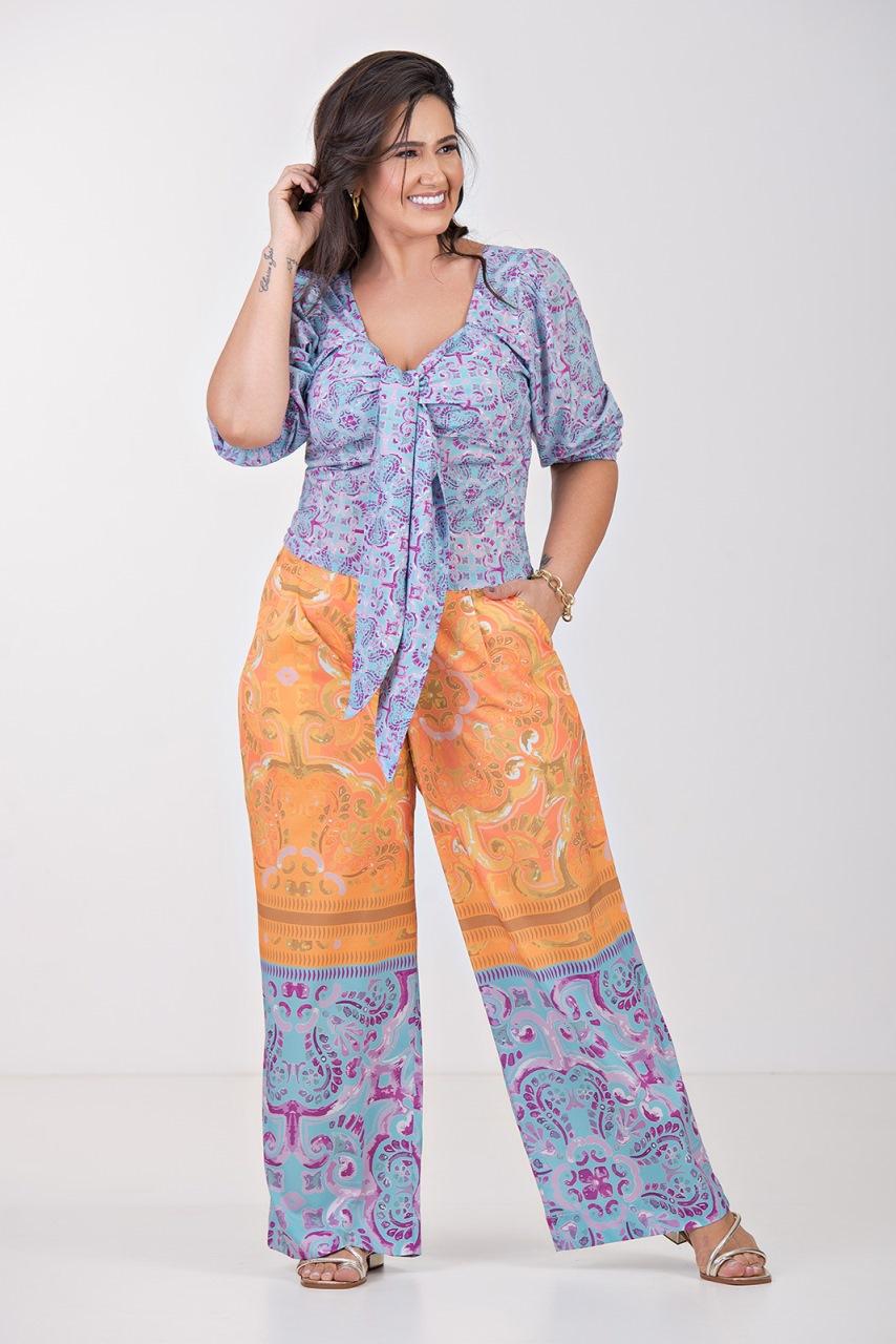Blusa nó no decote- Plus Size