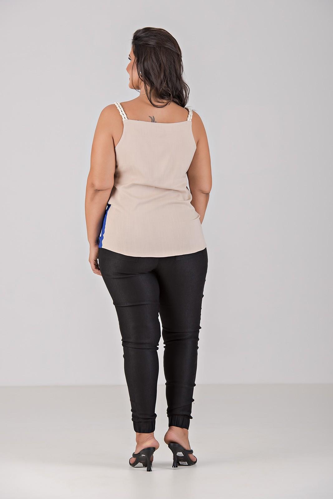 Blusa Regata de alça em Cordão e Decote V - Plus Size
