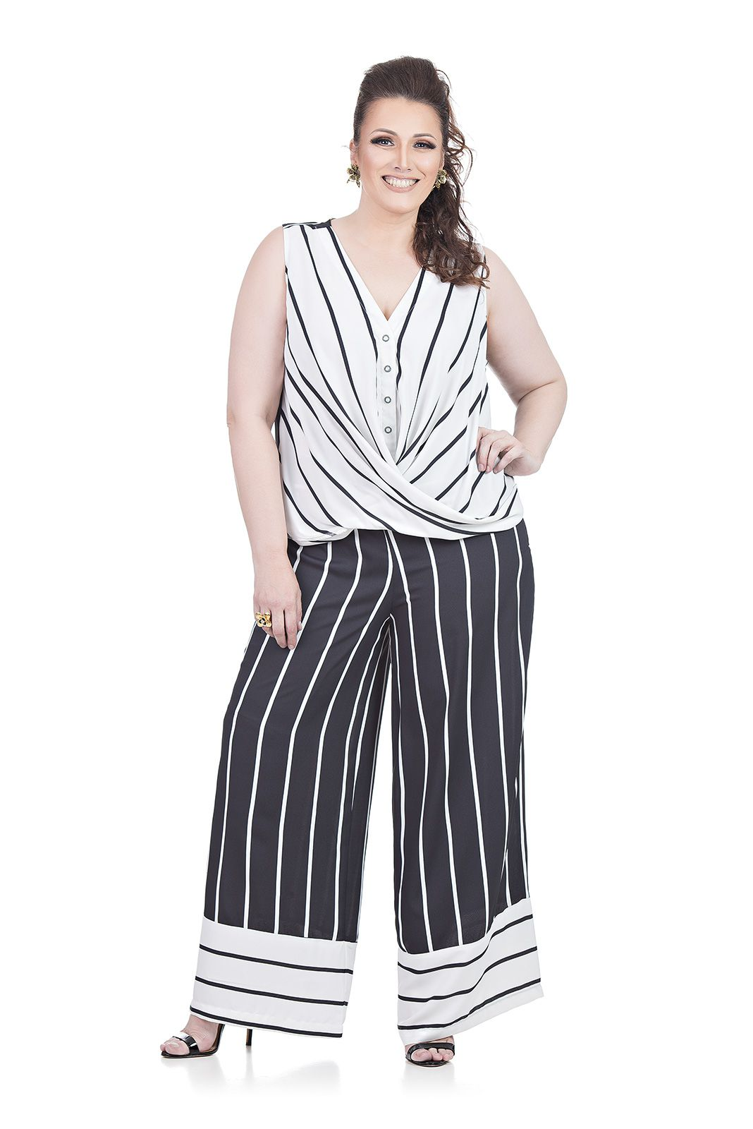 Blusa Sem Mangas Plus Size