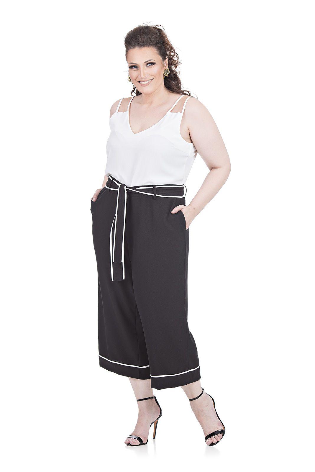 Pantacour com faixa Plus Size