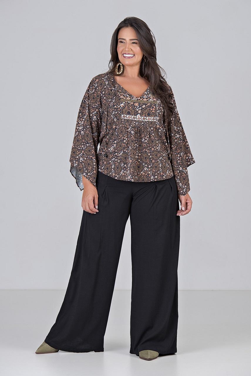 Pantalona Com Duas Pregas - Plus Size