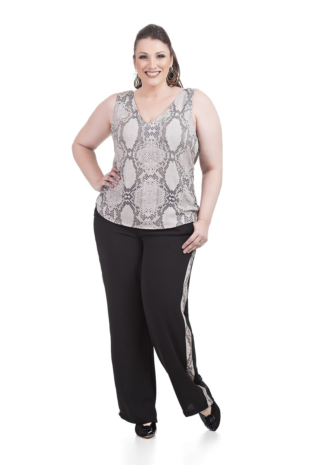 Regata decote V Plus Size