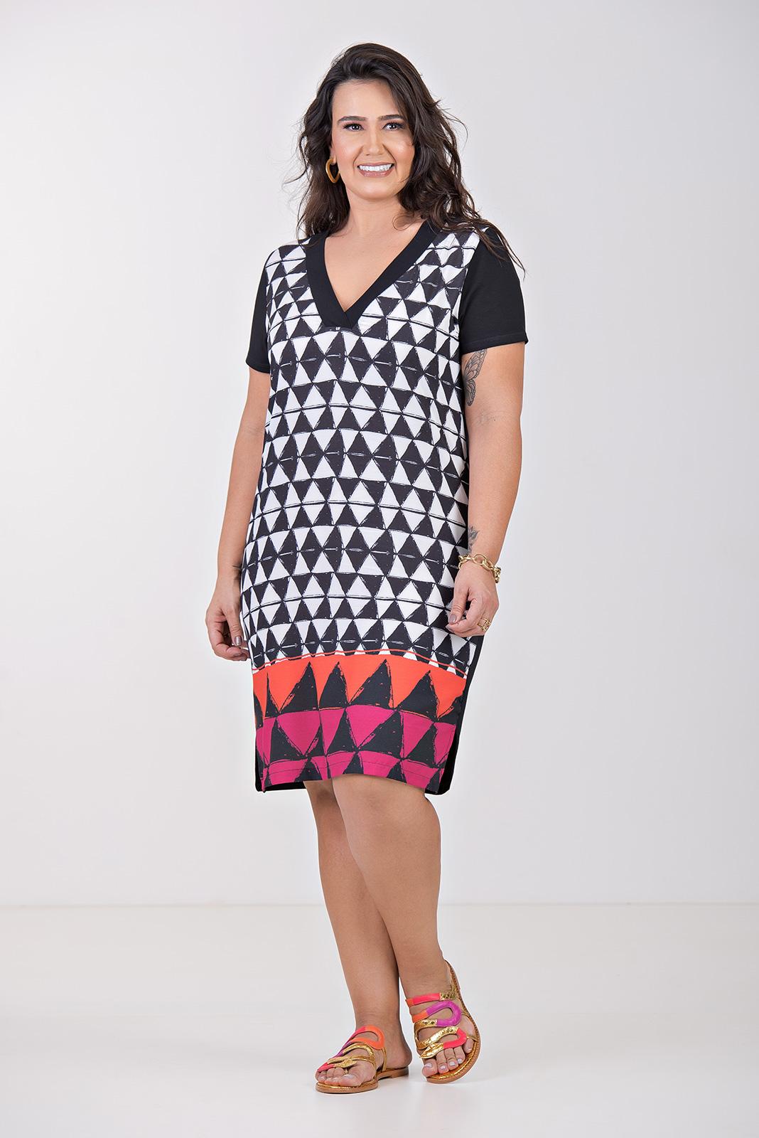 Vestido Curto Geométrico- Plus Size