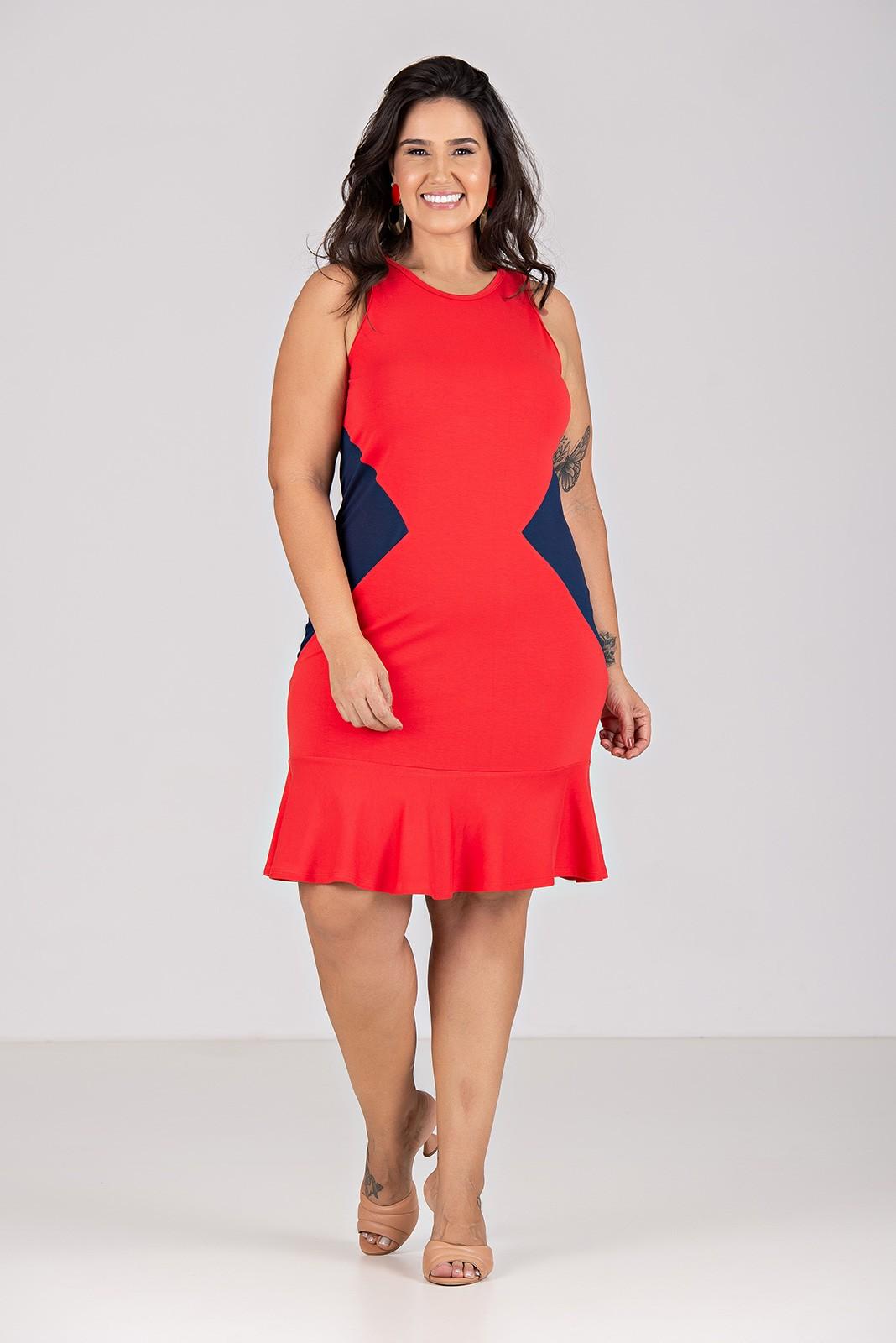 Vestido Curto Peplum Com Recorte - Plus Size