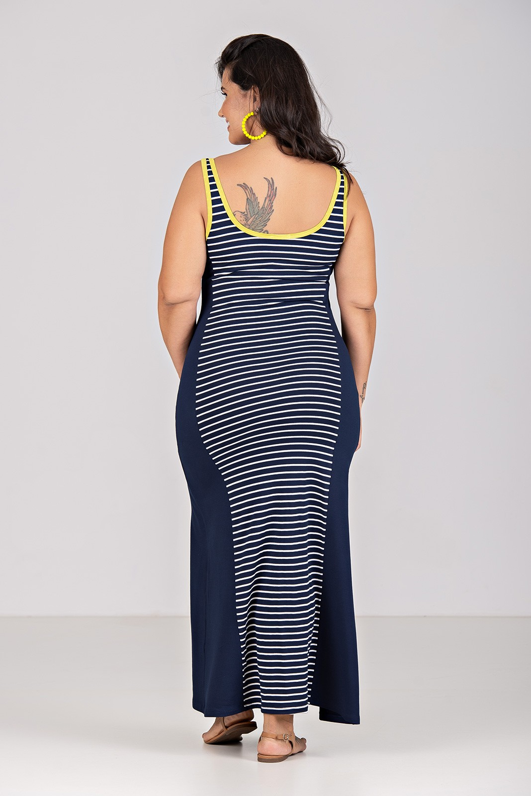 Vestido Longo de Malha Listrada com recorte - Plus Size