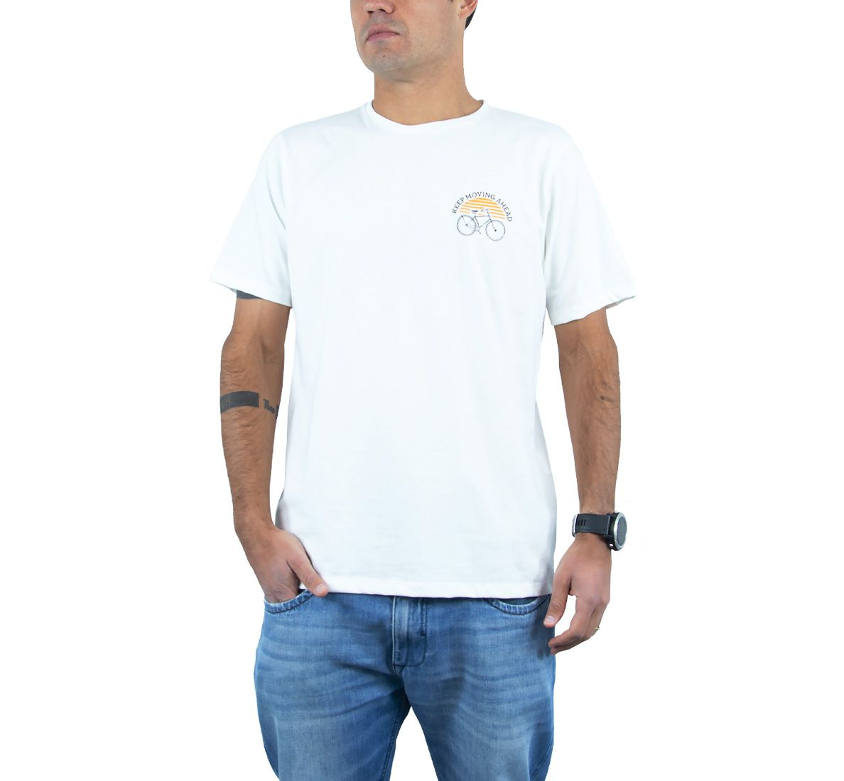 Camiseta Keep Moving Masc - Off White - Woom 247
