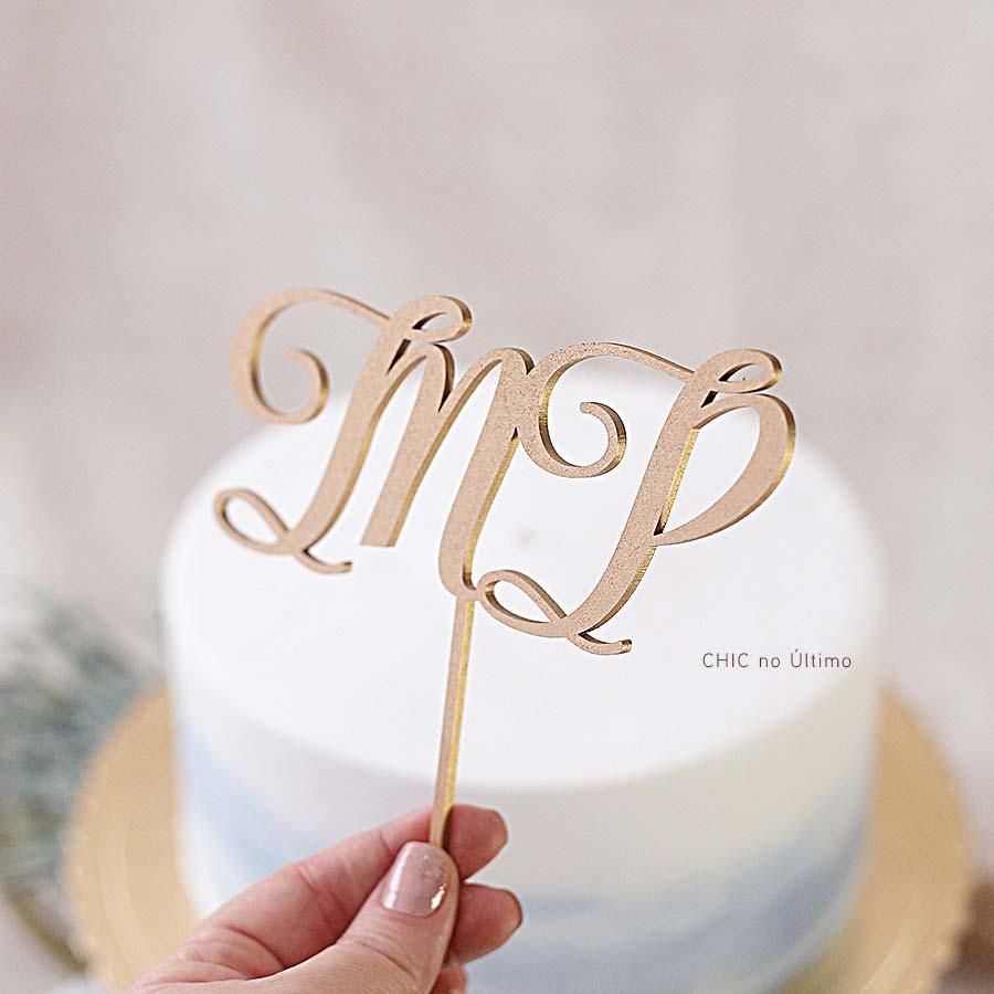 Classic - Topo de bolo personalizado de madeira