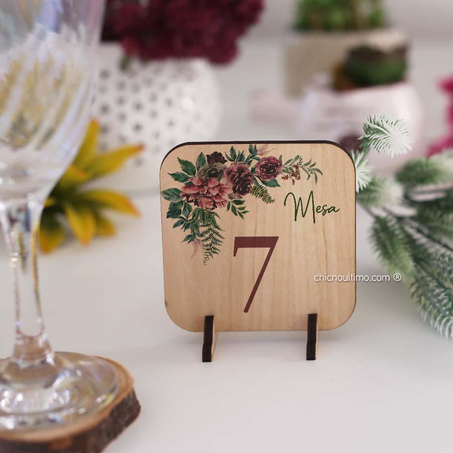 Folk - Numeração de mesa madeira