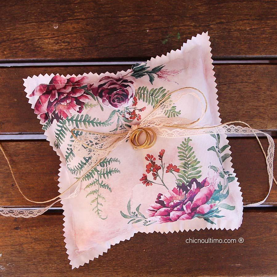 Folk - Porta Alianças de tecido