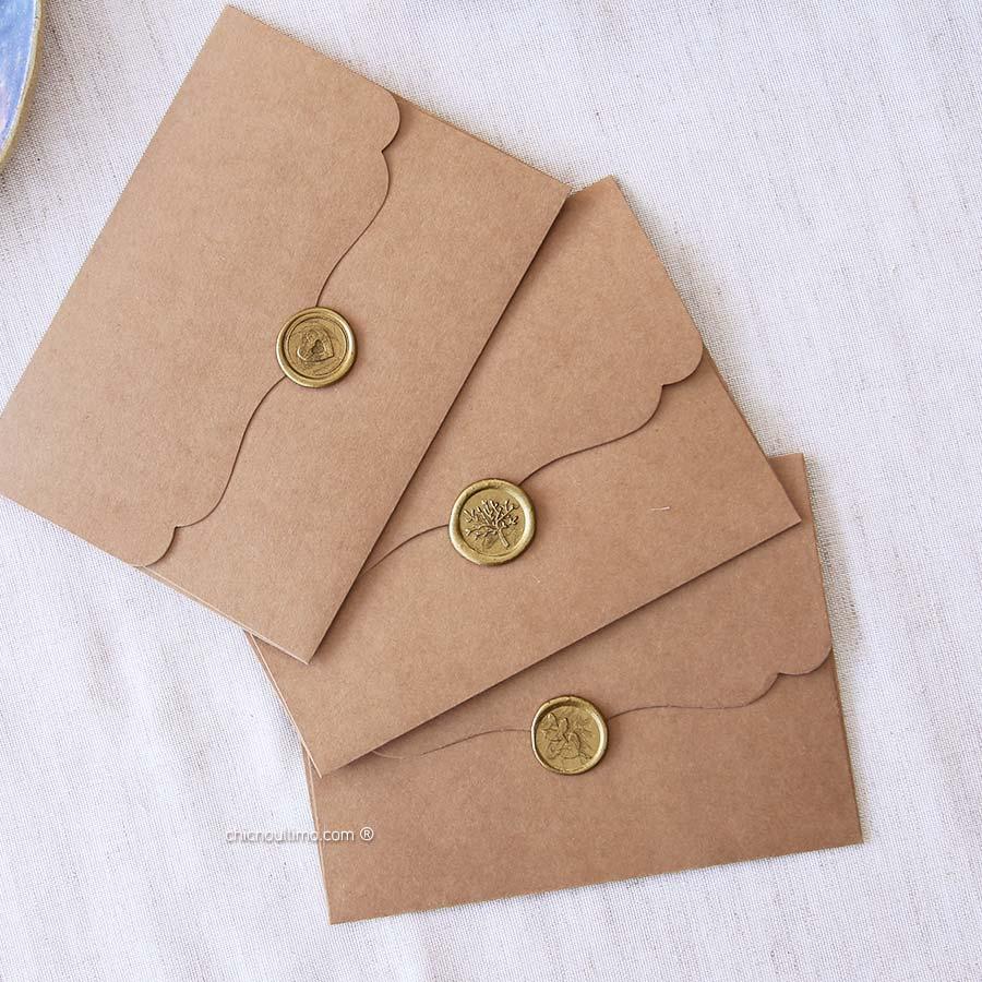 Kit | Envelope Kraft Vintage P 20x14,5cm + Lacre de cera Dourado