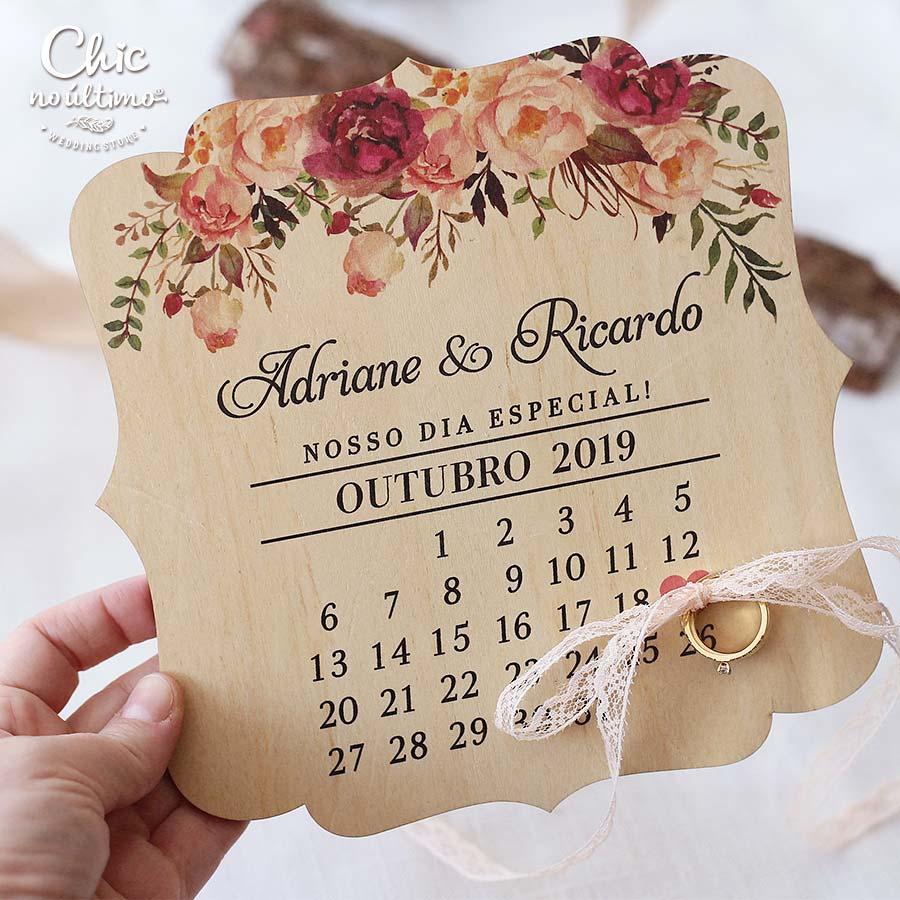 Romance - Porta Alianças de madeira calendário