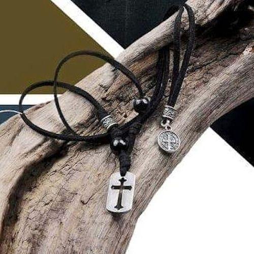 Escapulário São Bento Cruz Sagrada Proteção Colar Em Couro