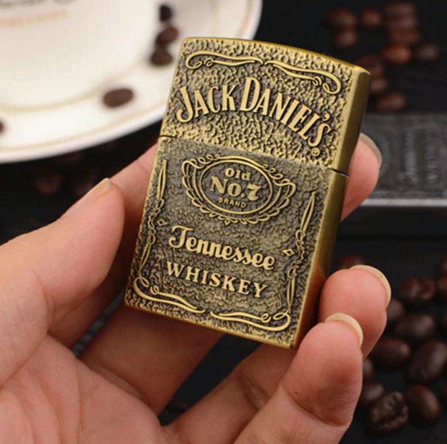 Isqueiro Executivo Jack Daniel´s Bronze Fluído Recarregável