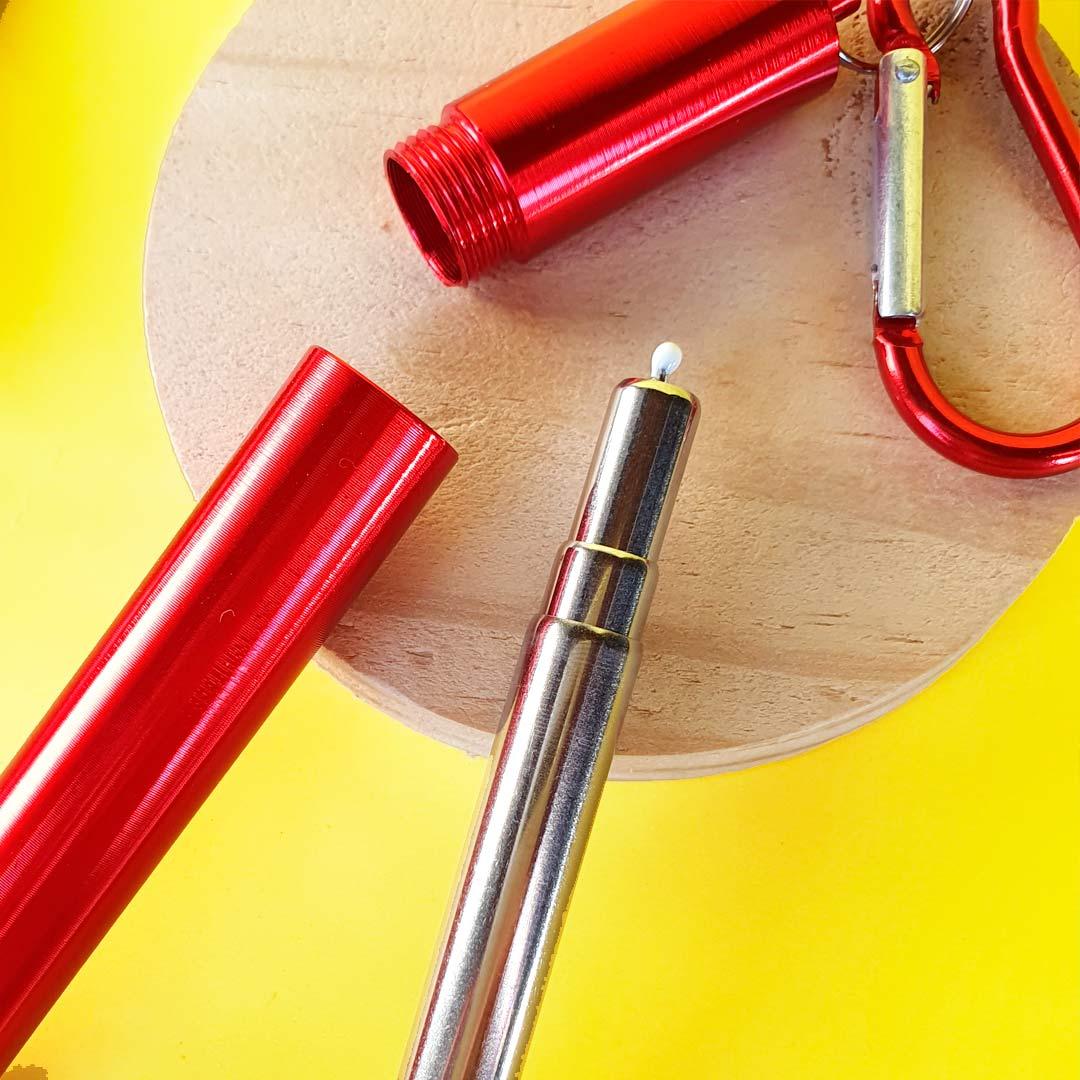 Garrafa Fast Click Marrom + Canudo Chaveiro Vermelho