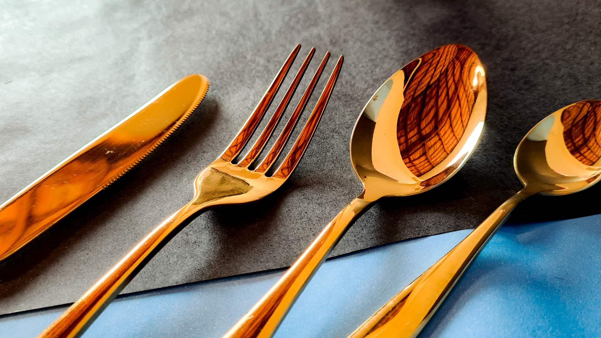 Talheres de Inox Brilhante Dourado - 16 peças