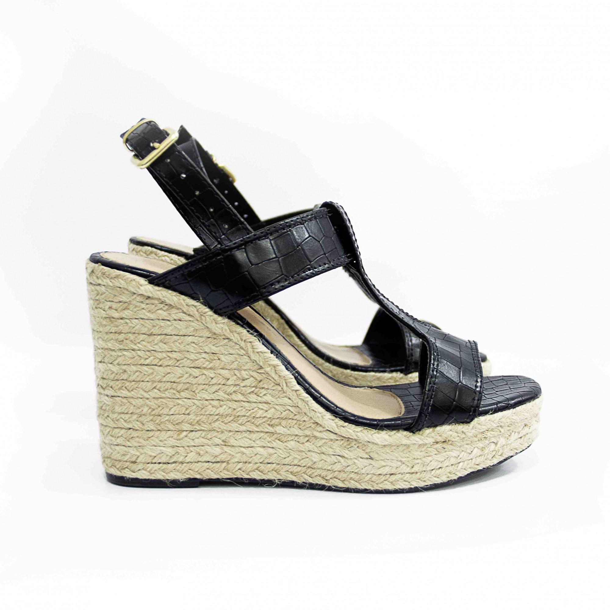 Sandália Plataforma Croco Preta by Deborah Munhoz