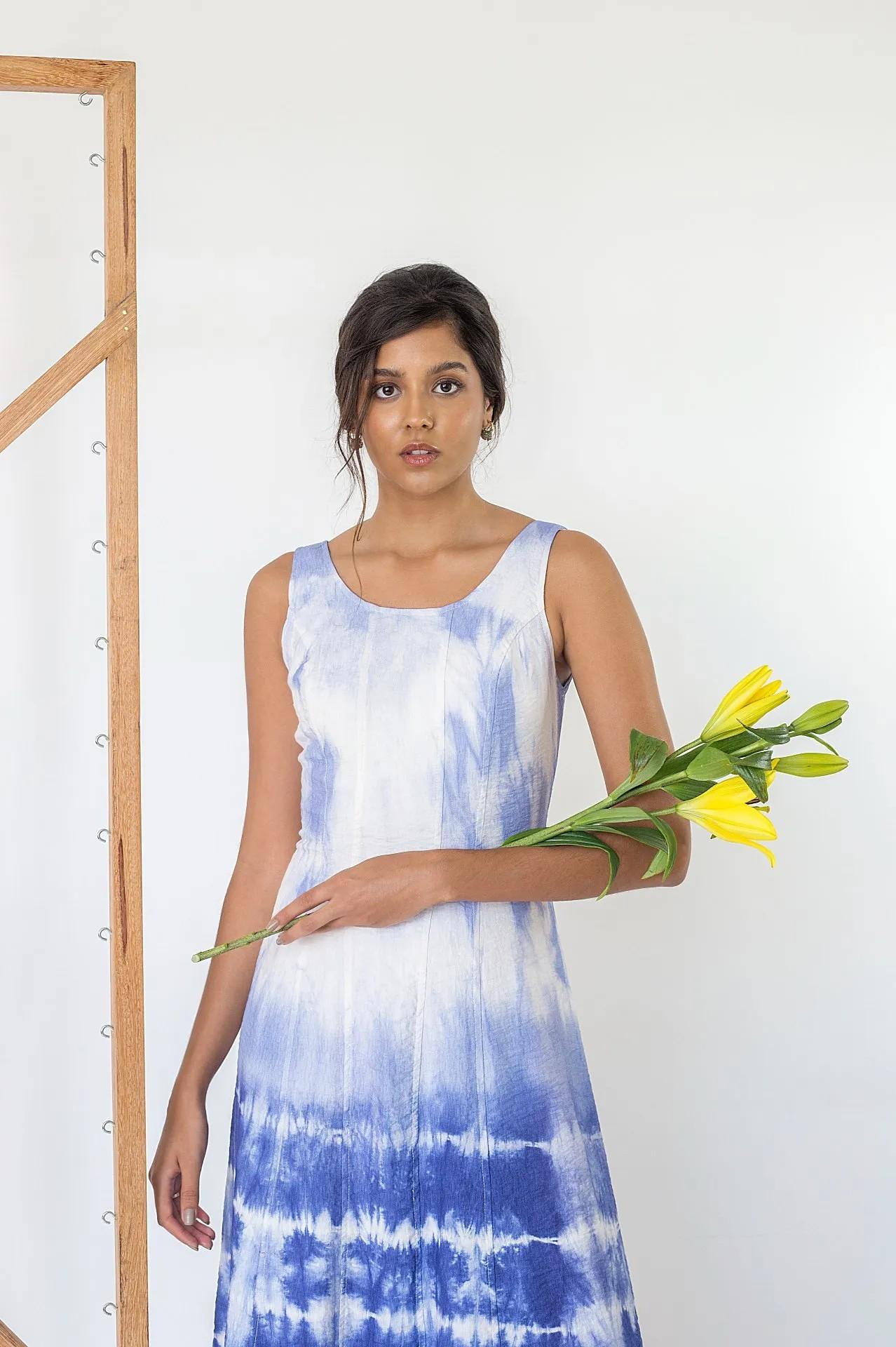 Vestido Paola Tie Dye Branco e Azul