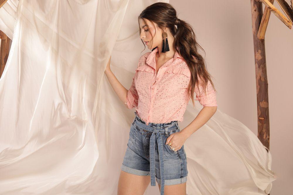 [PRÉ-VENDA] Camisa Lese Recorte e Bordado - Contra Sensura (Rosa)