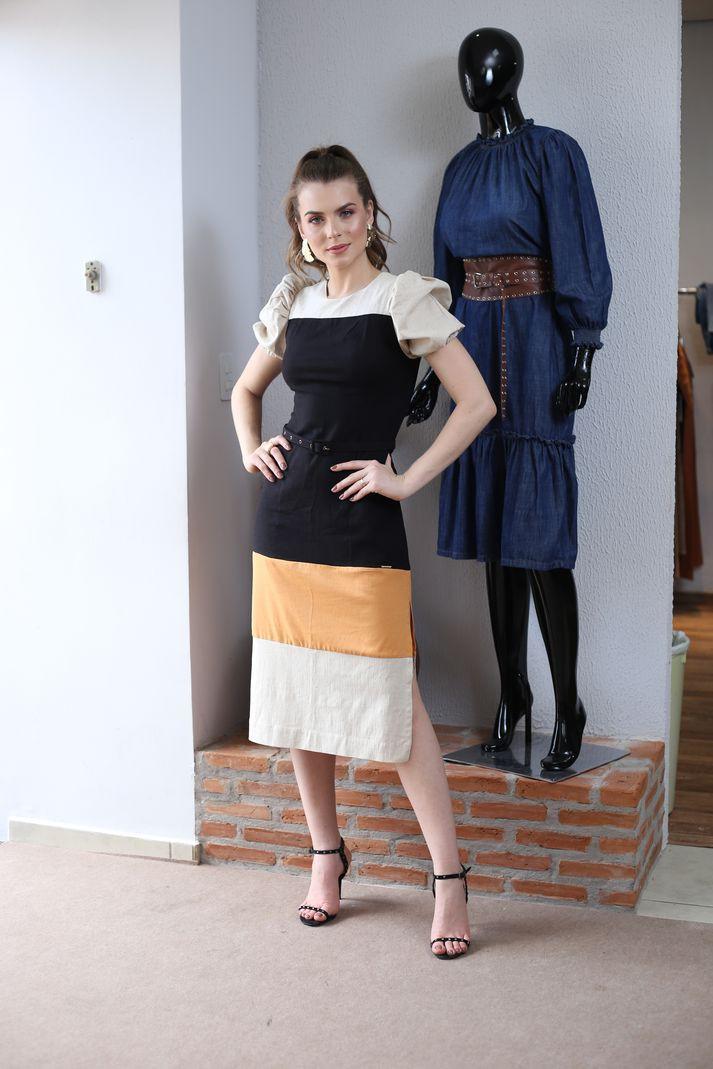 Vestido Contra Sensura Linho Midi Bicolor