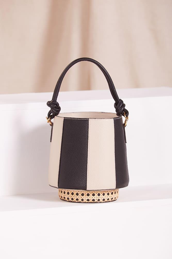 Bolsa Bucket Toscana Preta e Off White