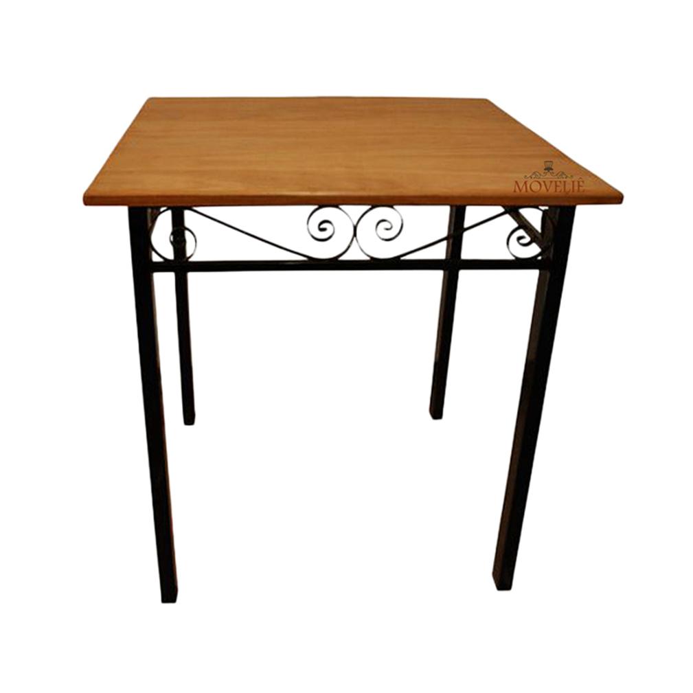 Mesa lateral preta em ferro em madeira